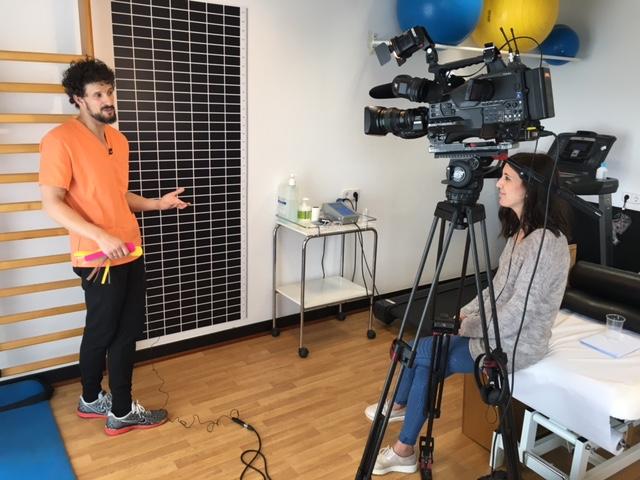 TVE entrevista l'Isaac Serrano a Fisioteràpia REVERS
